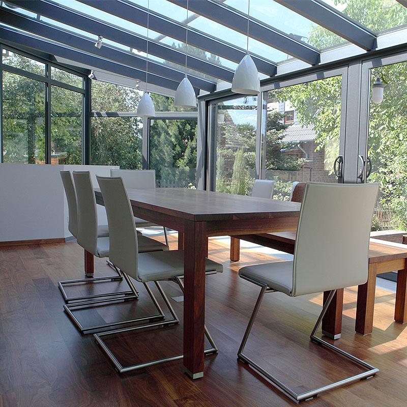 Glasfront - Wintergarten ausgestattet von der Firma Bender Kelkheim