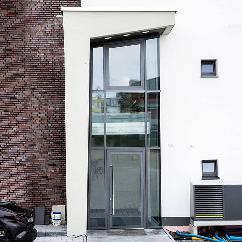 Blechverkleidung einer Fassade erstellt von Oswald Bender
